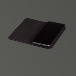 sena iphone_6_vettra_black_desk_4